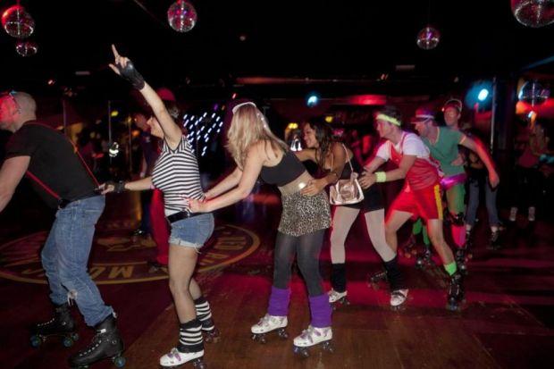 roller-disco-speed-dating
