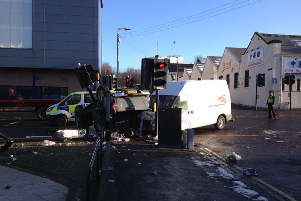 Traffic lights switched off after car crash