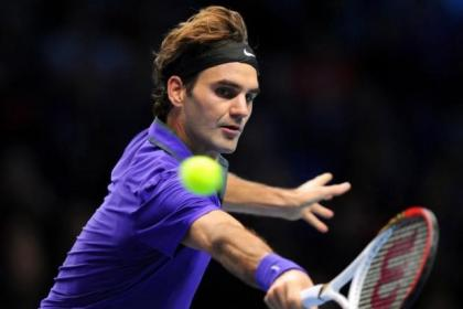 Roger Federer cruised into the semi-finals