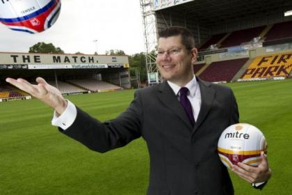 Neil Doncaster and the SPL will hold talks over reconstruction
