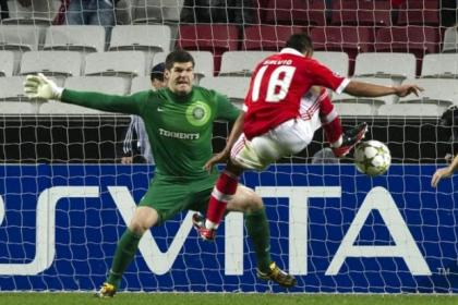 Forster was kept busy by Benfica