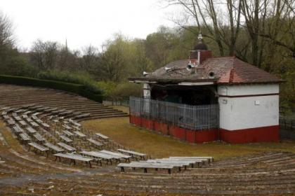 The amphitheatre, built in 1924, regularly attracted up to 7000 people in its heyday