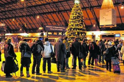 Festive rail strikes off after union agrees deal
