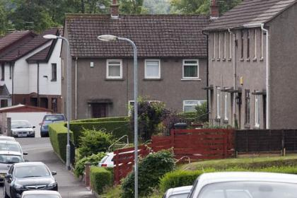 The thief struck at a house in Thornliebank