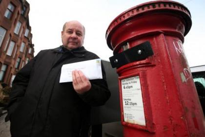 Yorkhill local Stewart Gibson found the Dalnair Street post box sealed