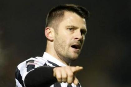 Steven Thompson's goals have helped St Mirren steady the ship and keep up their challenge in the League Cup tournament
