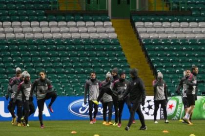 Paradise found...Juve's players, including andrea Pirlo, above inset, got used to the Parkhead surface last night