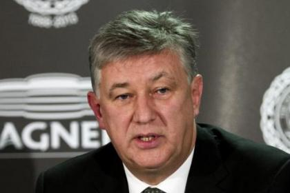 Peter Lawwell happy to balance books at Celtic