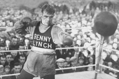 Huge crowds would gather  to watch Benny in training