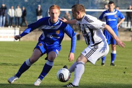 Pollok v Auchinleck match action. Pictures: Mark Gibson