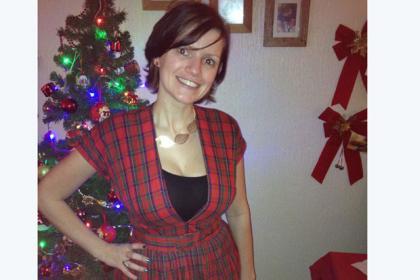 Lynne starts the year off in a vintage tartan dress.