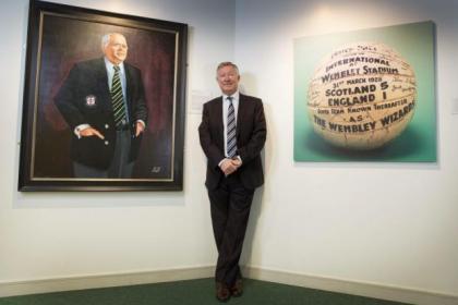 Sir Alex Ferguson was at Hampden to unveil the portrait of Douglas Smith