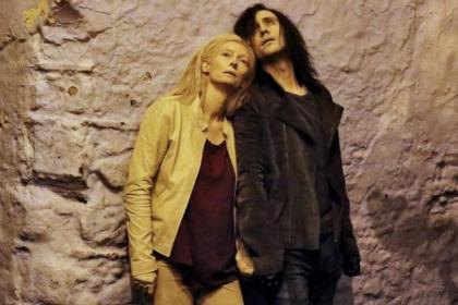 Tilda Swinton and Tom Hiddleston play the vampire lovers