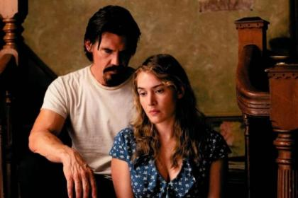 Escaped prisoner Frank and divorced Adele (Josh Brolin and Kate Winslet) fall for each other while he hides out in her home