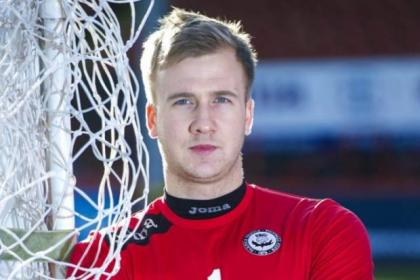 Scott Fox is desperate to return as first-choice goalkeeper for Partick Thistle