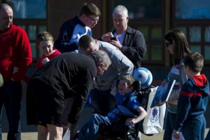 Rangers manager Ally McCoist made it a day to remember for a group of young fans who visited Murray Park when he took time to chat to them before putting his players through their paces ahead of today's visit to Stenny