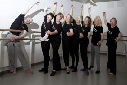 Guest dance teacher Alan Greig takes an over-50s ballet class and shows Floss Ross, Moira Kerr, Irene Kelso, Elizabeth Martin, Mary Yacoob, Kathleen Mulhearn  and Mary Ross some techniques