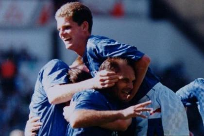 Ray Wilkins celebrates with this team-mates after scoring with a 20-yard volley against Celtic at Ibrox in 1988. #SportTimestop50