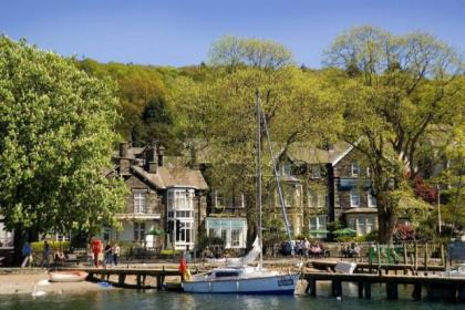 The Waterhead Hotel is perfectly situaed to make the most of Lake Windermere's attractions