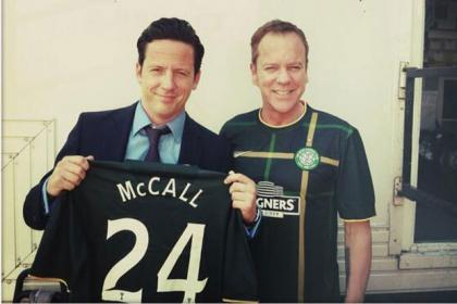 Ross McCall and Kiefer Sutherland show off the new Celtic top.