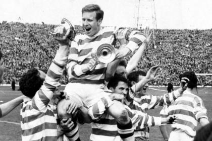 Skipper Billy McNeill on the shoulders of his team-mates after Celtic beat Dunfermline 3-2 to win the Scottish Cup in 1965. #SportTimestop50