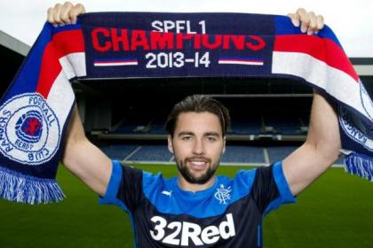 Darren McGregor has signed a one-year deal at Ibrox with an option of another year