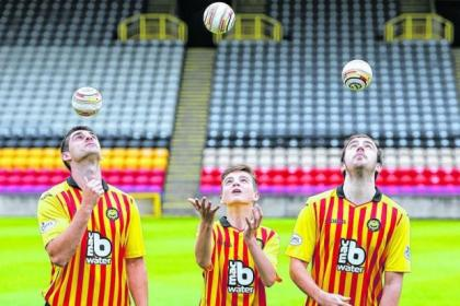 Glen Tremble joined Jags players Kris Doolan and Stuart Brannigan to show of the new kit and his ball design