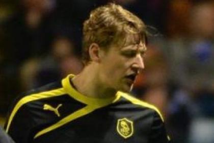 Former Celt Glenn Loovens has signed a new deal at Hillsborough