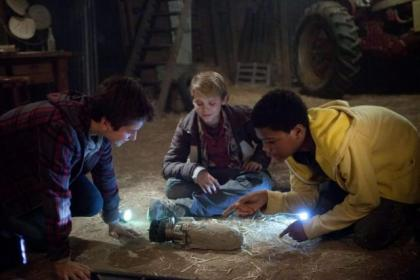 Teo Halm, Reese Hartwig and Astro play Alex, Munch and Tuck in Earth To Echo