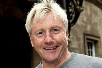 Frank McAvennie thinks Celtic can turn round the tie against Legia Warsaw