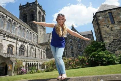 Renfrewshire girl Stephanie Bain, who has never flown before, is going wing- walking to raise money for Help for Heroes