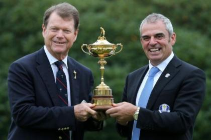 America captain Tom Watson and Europe captain Paul McGinley hold up the Ryder Cup ahead of this year's event at Gleneagles